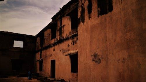 Darmowe zdjęcie z galerii z #yogyakarta #building #architecture # shade