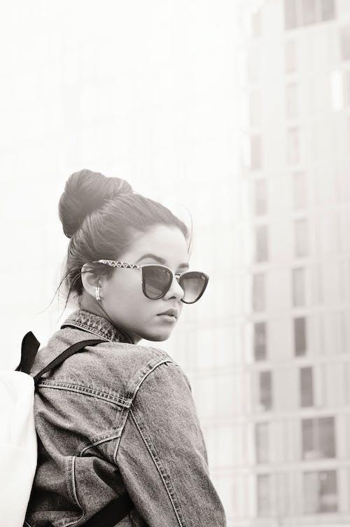 Gratis lagerfoto af briller, dagtimer, frisure, kvinde