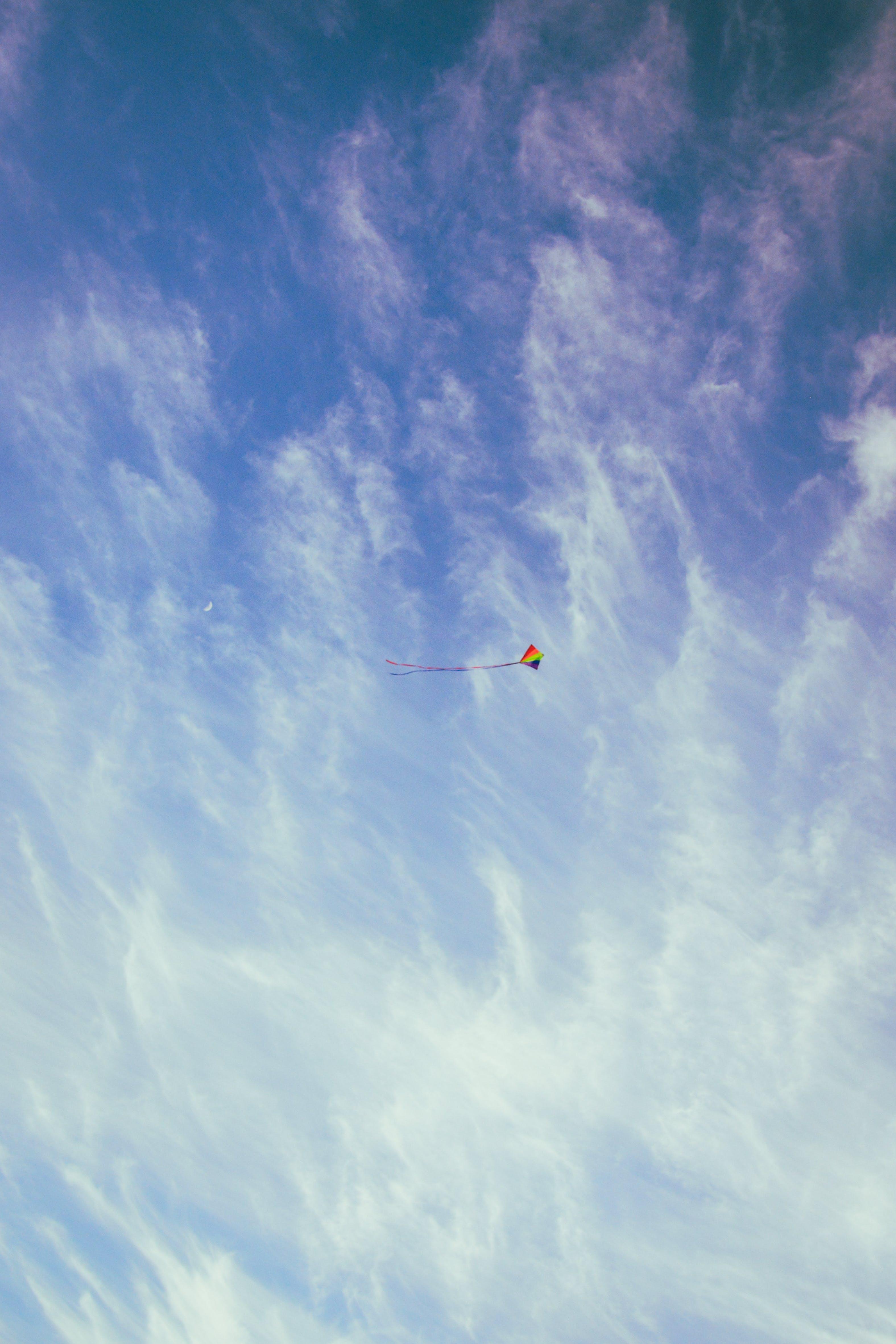Kostnadsfri bild av blå, flygande, himmel, moln