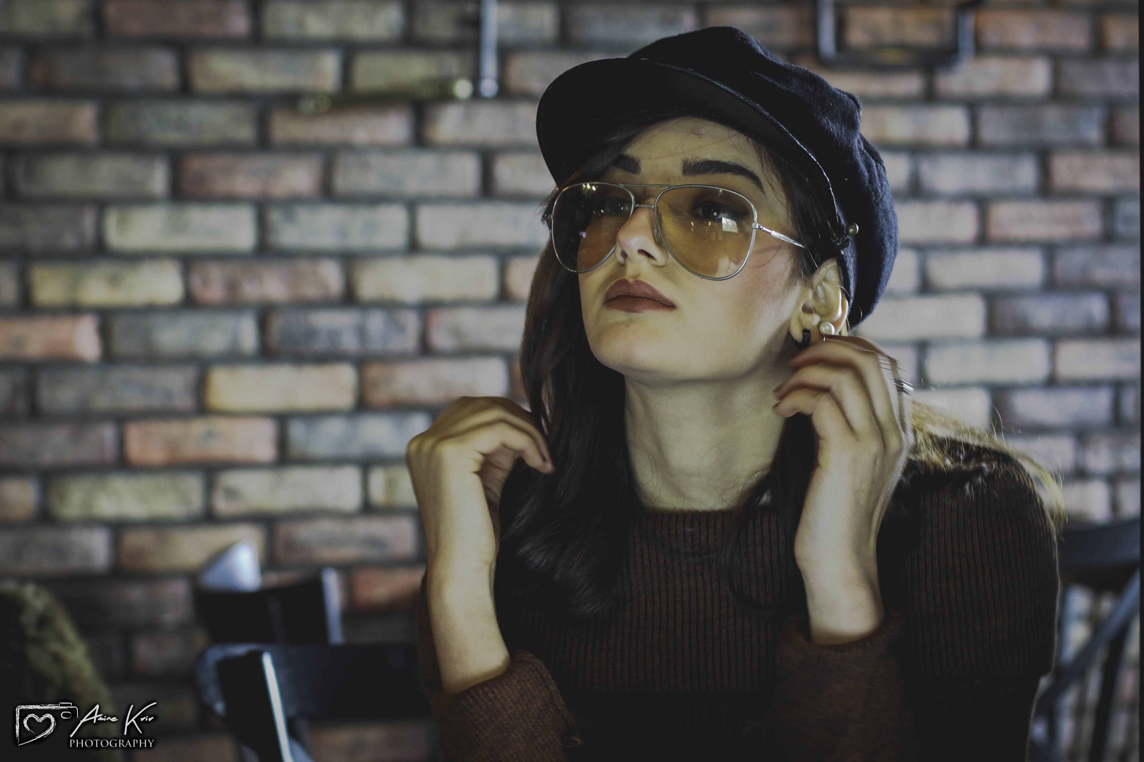 Základová fotografie zdarma na téma dioptrické brýle, fashion modelka, hnědá, hnědé vlasy