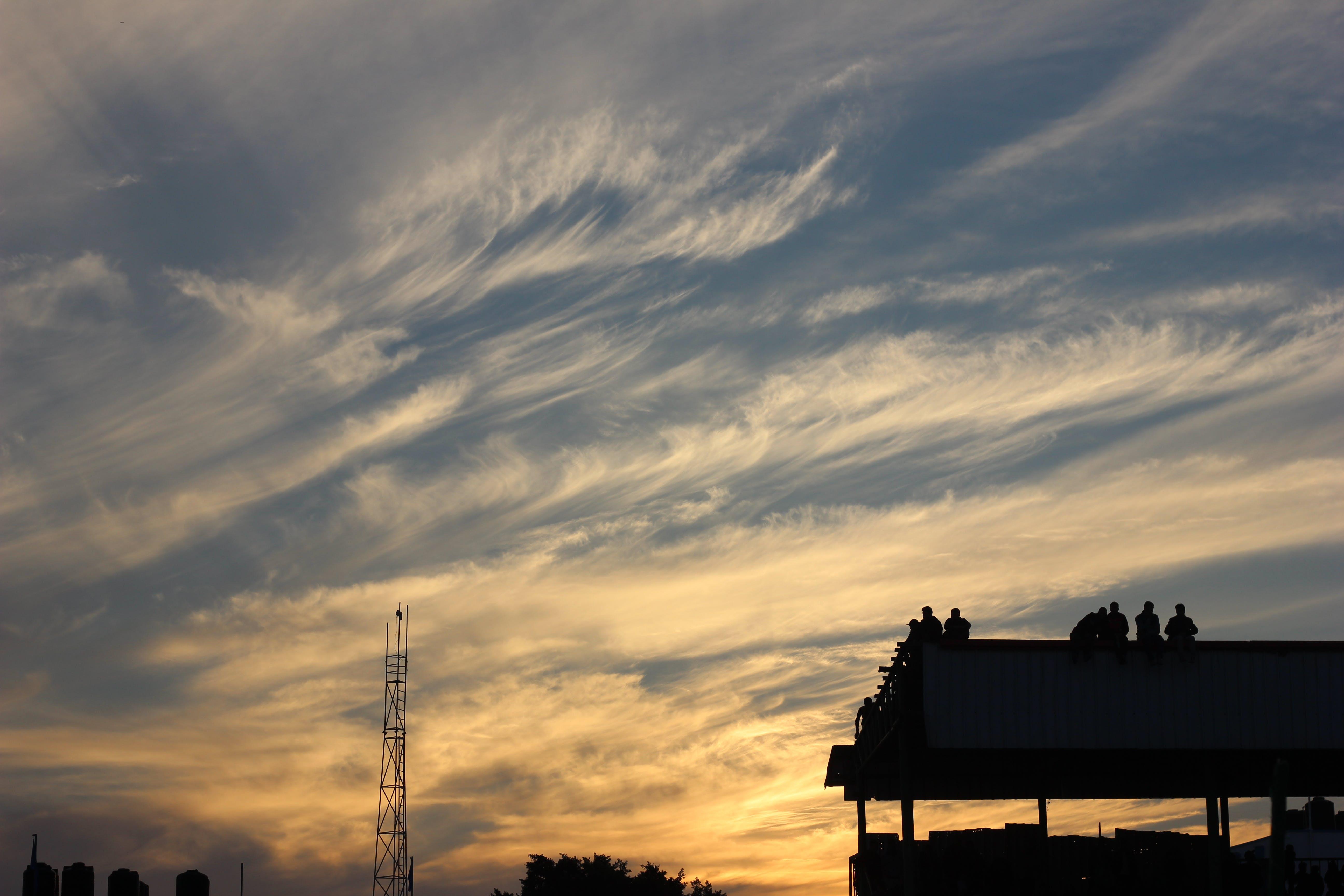 Foto stok gratis alam, atap, awan, dramatis