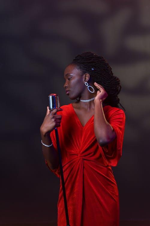 Fotos de stock gratuitas de actuando, afroamericano, cantando