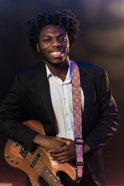 Ingyenes stockfotó afro-amerikai, álló kép, elektromos gitár témában