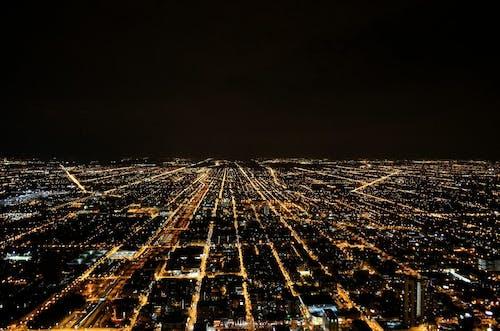 Бесплатное стоковое фото с город, ночь, огни, растянутый