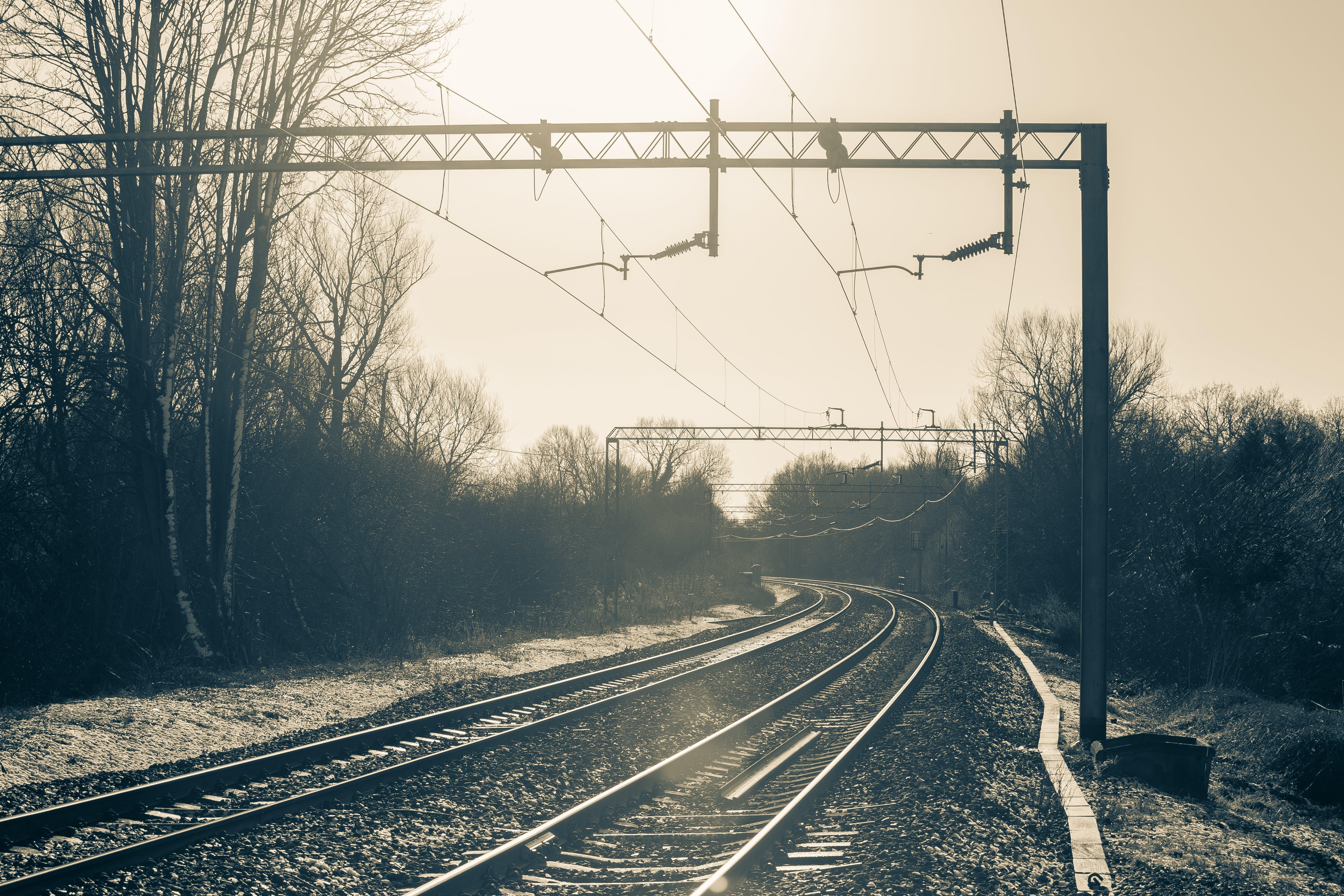 Gratis lagerfoto af jernbane, kø, morgengry, stål