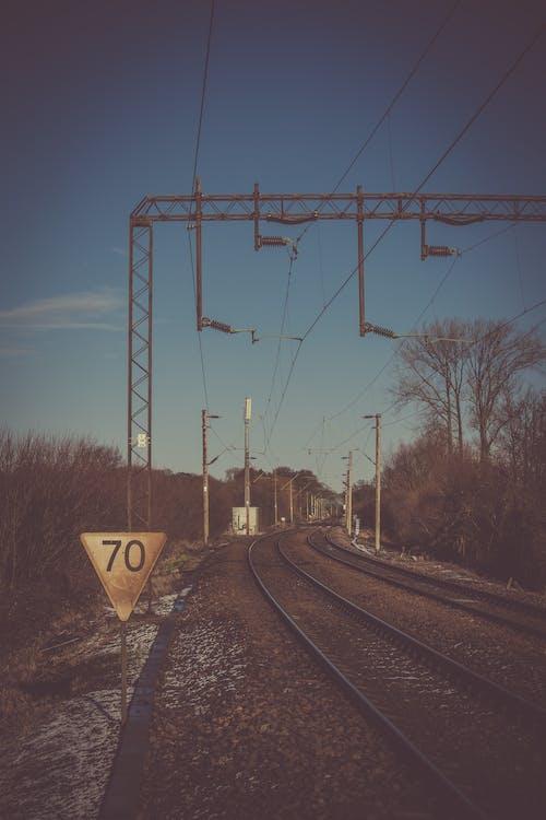 Immagine gratuita di acciaio, allenare, binario ferroviario, ferrovia