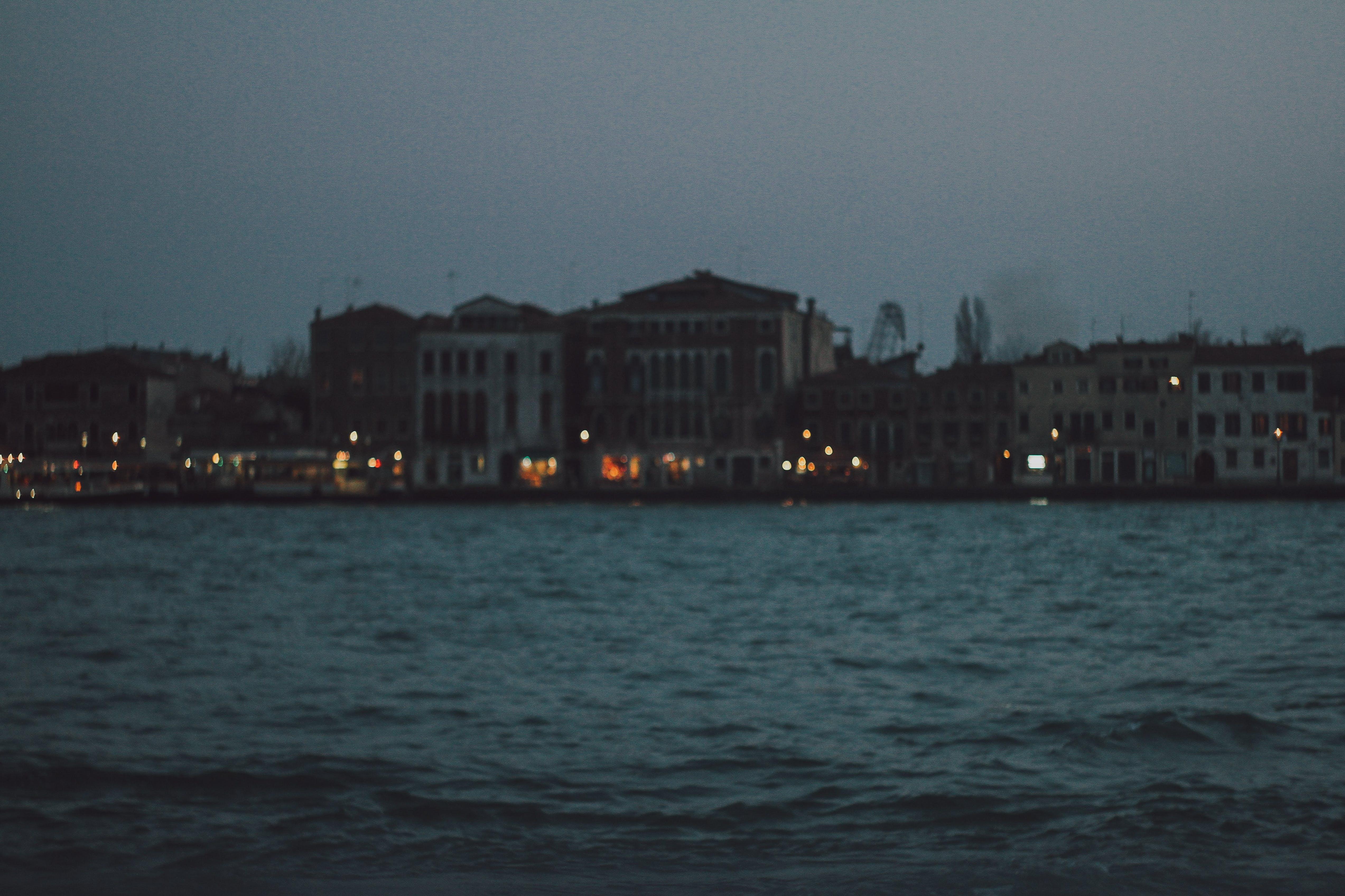 Kostenloses Stock Foto zu beleuchtung, italien, kein fokus, venedig