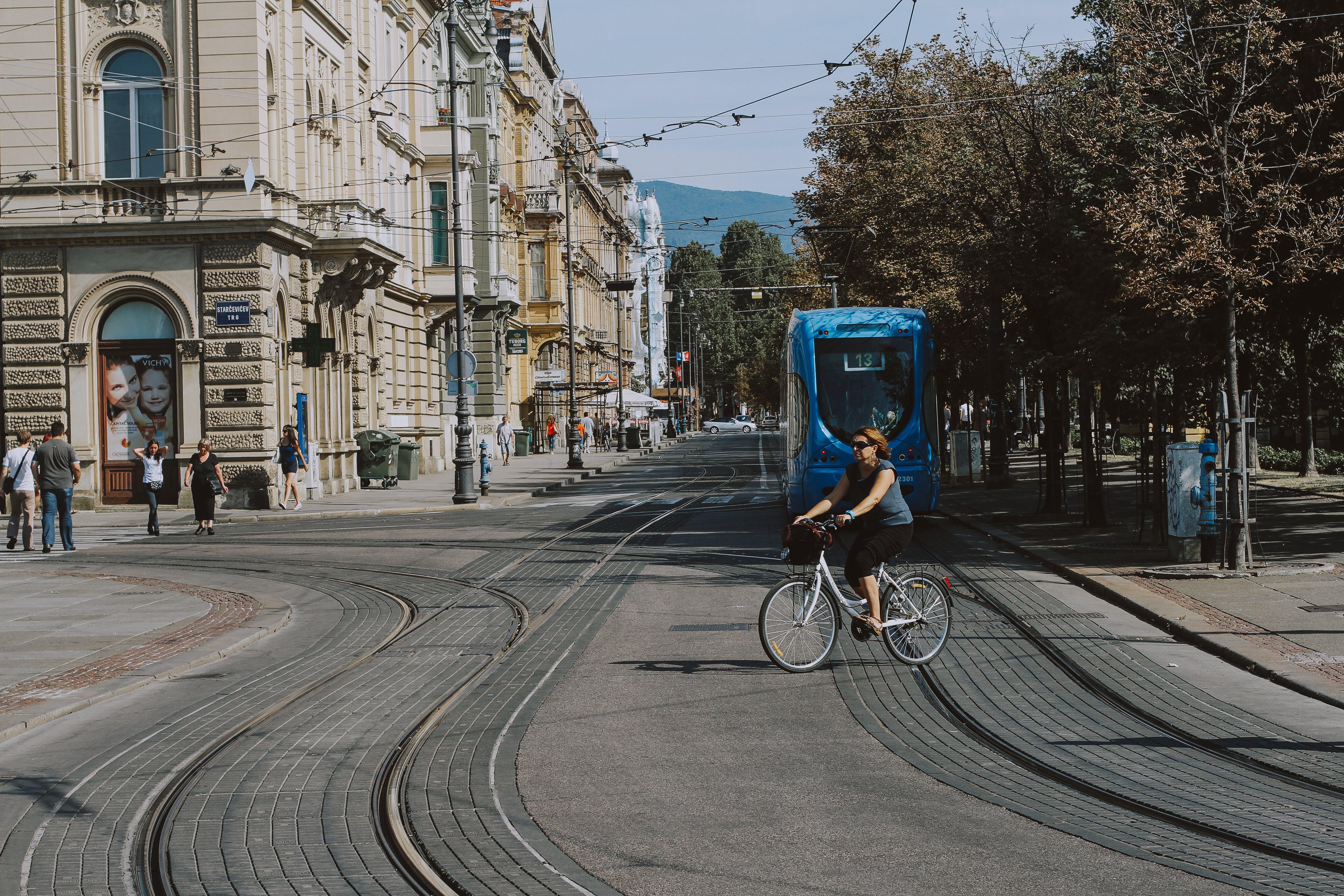 Kostenloses Stock Foto zu kroatien, menschen, straßenleben, straßen