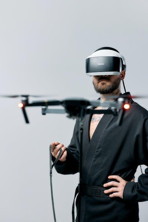 Fotos de stock gratuitas de adelanto, casco de realidad virtual, casco RV
