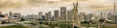 Foto profissional grátis de arquitetura, arranha-céus, centro da cidade, cidade