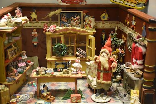 ahşap oyuncaklar, bebek, bebek odası içeren Ücretsiz stok fotoğraf