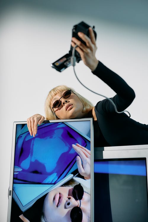 crt, 人類技術, 低角度拍攝 的 免費圖庫相片