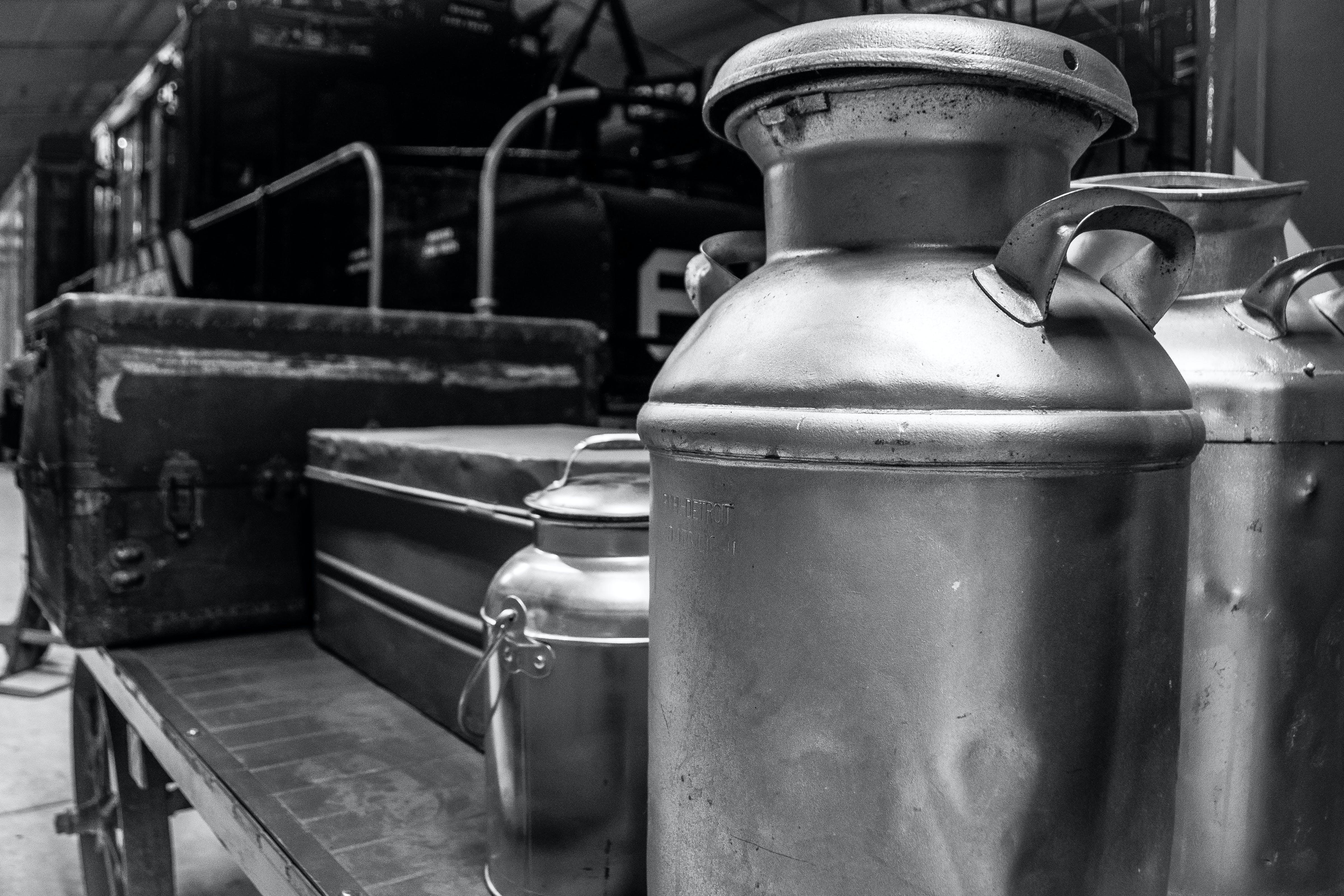 Základová fotografie zdarma na téma footlocker, mléčné nádoby, nádoby, vlaky