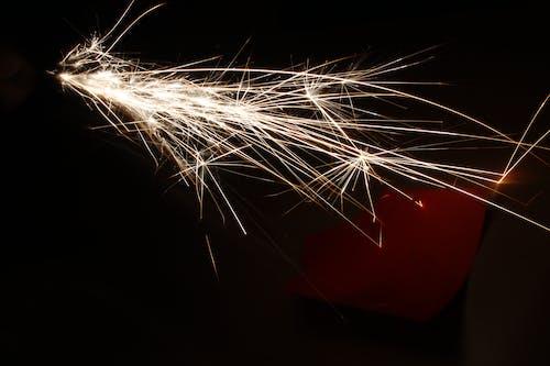 光, 光條紋, 漆黑, 火 的 免費圖庫相片