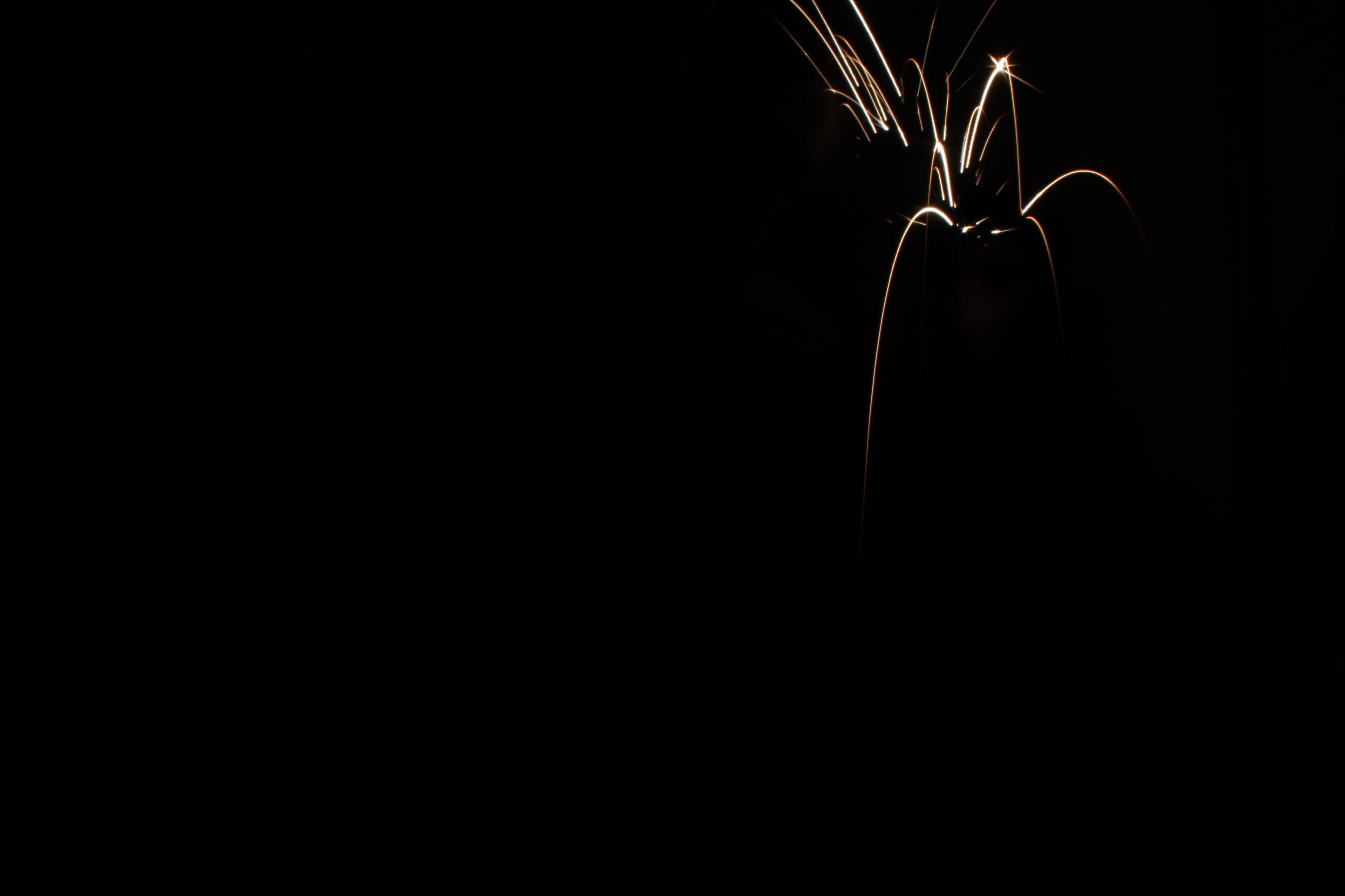 Kostenloses Stock Foto zu brennen, dunkel, feuer, funken