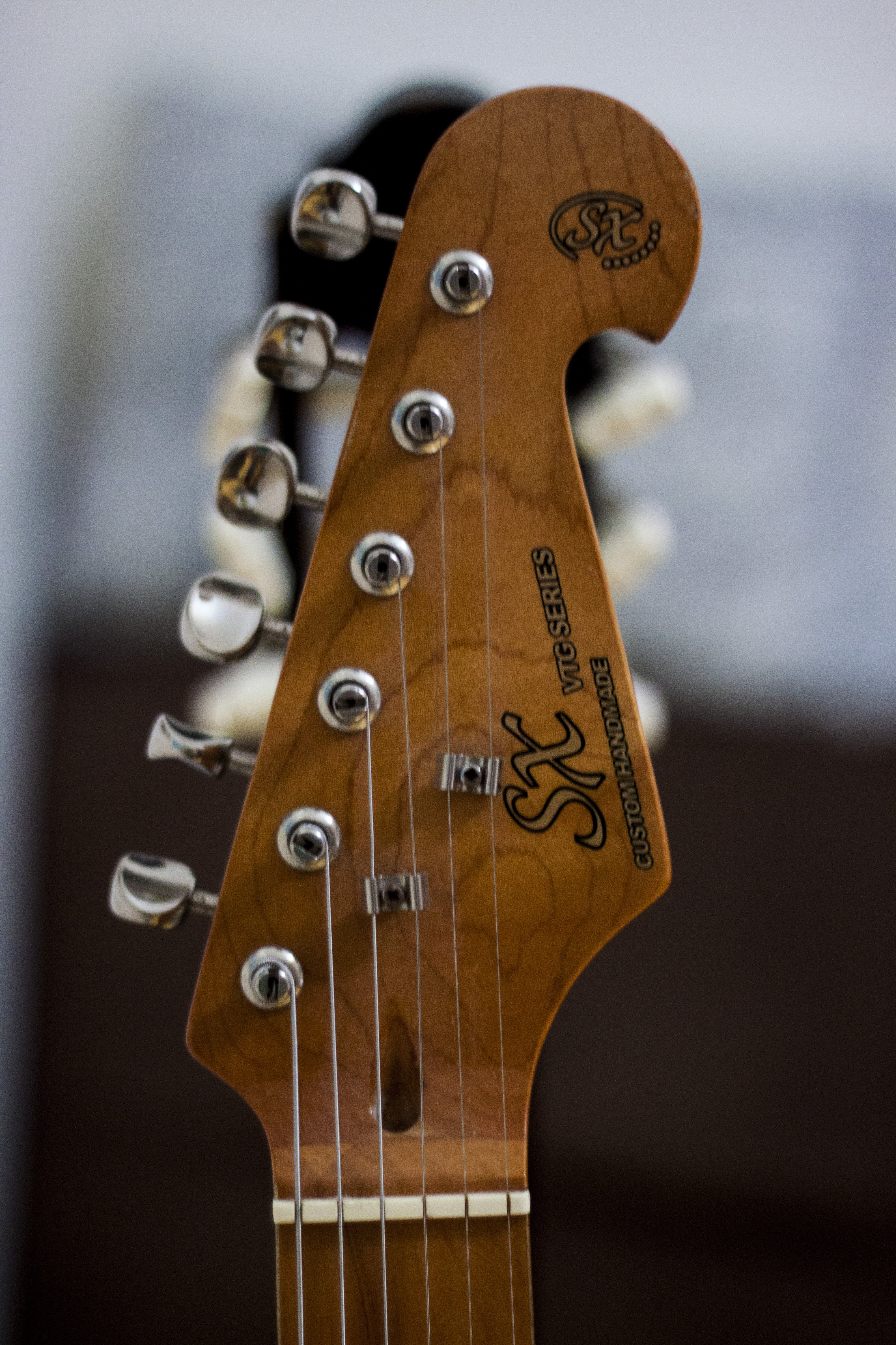 Free stock photo of acoustic, bokeh, brown, contrat
