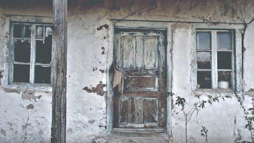 Gratis arkivbilde med forlatt, forlatt bygning, retro, vintagehus