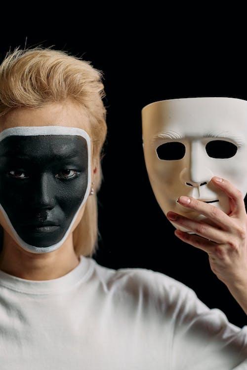 Kostenloses Stock Foto zu anti-überwachungs-make-up, begrifflich, blond