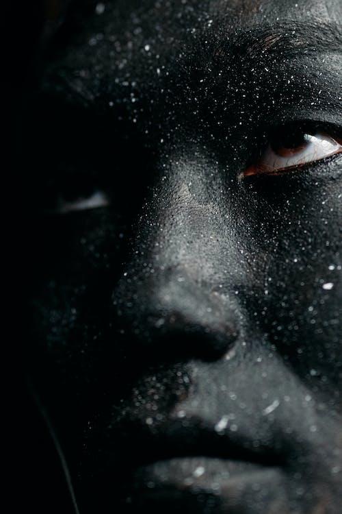 Foto stok gratis cahaya redup, close up ekstrim, cv menyilaukan