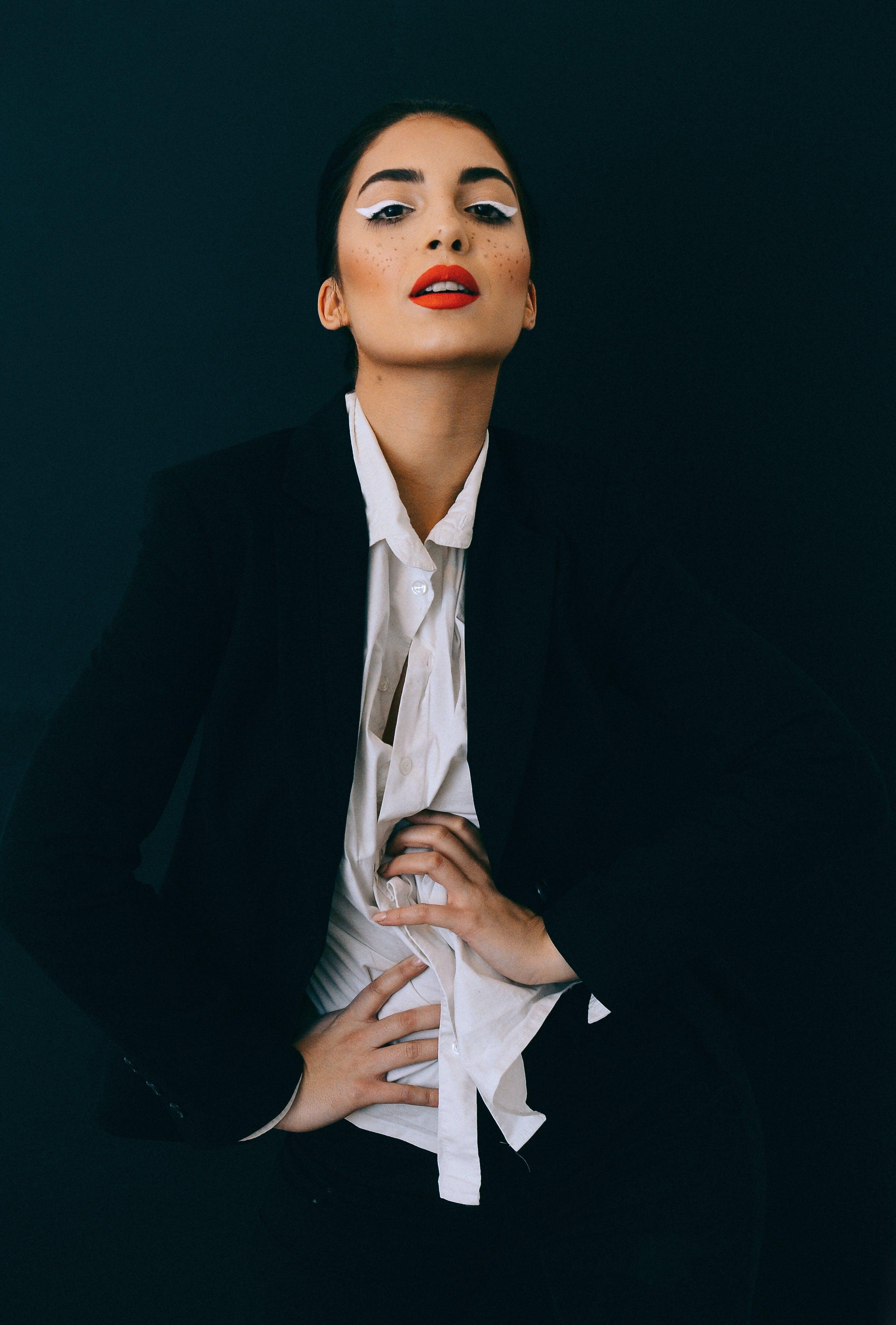 검은색, 검은색 배경, 매력적인, 모델의 무료 스톡 사진