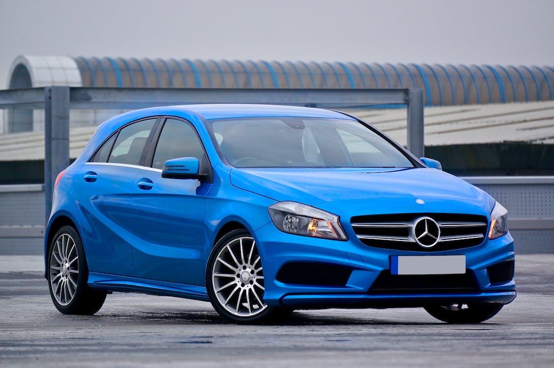 Fotografie Eines Blauen Mercedes Benz 5 Türer