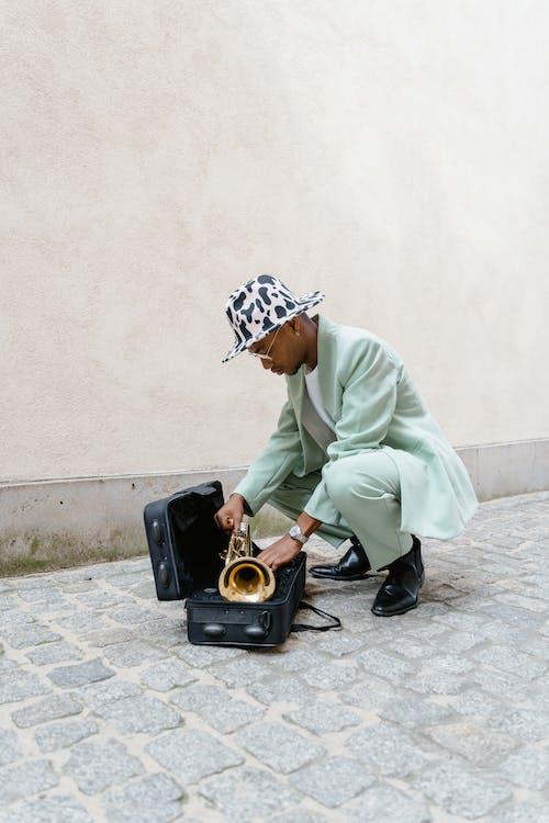 Безкоштовне стокове фото на тему «автобус, афроамериканський чоловік, Вулиця»