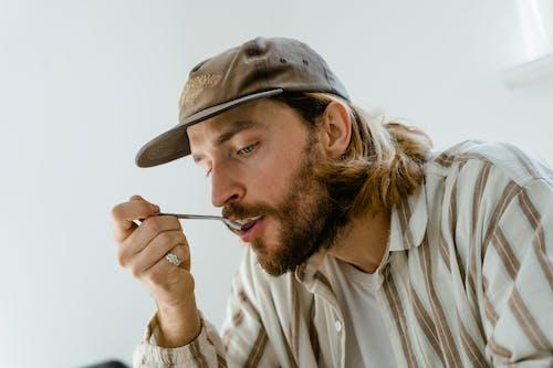 Darmowe zdjęcie z galerii z broda, chłopak, dorosły