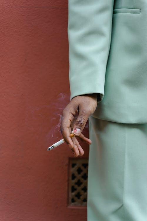 คลังภาพถ่ายฟรี ของ กลางแจ้ง, การสูบบุหรี่, คน