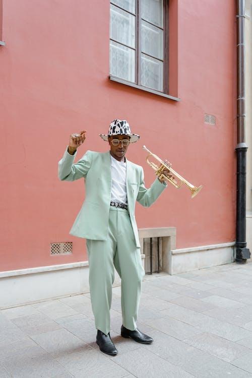 Darmowe zdjęcie z galerii z afroamerykanin, architektura, artysta uliczny