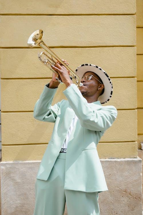 Darmowe zdjęcie z galerii z afroamerykanin, artysta uliczny, busker
