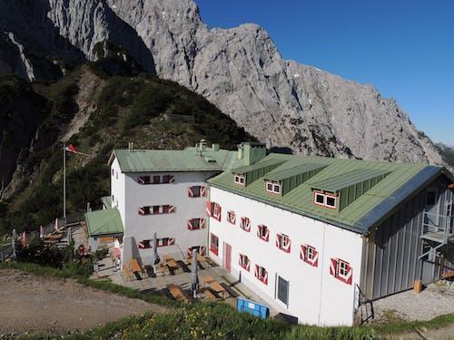 Free stock photo of hut, known, mountain range