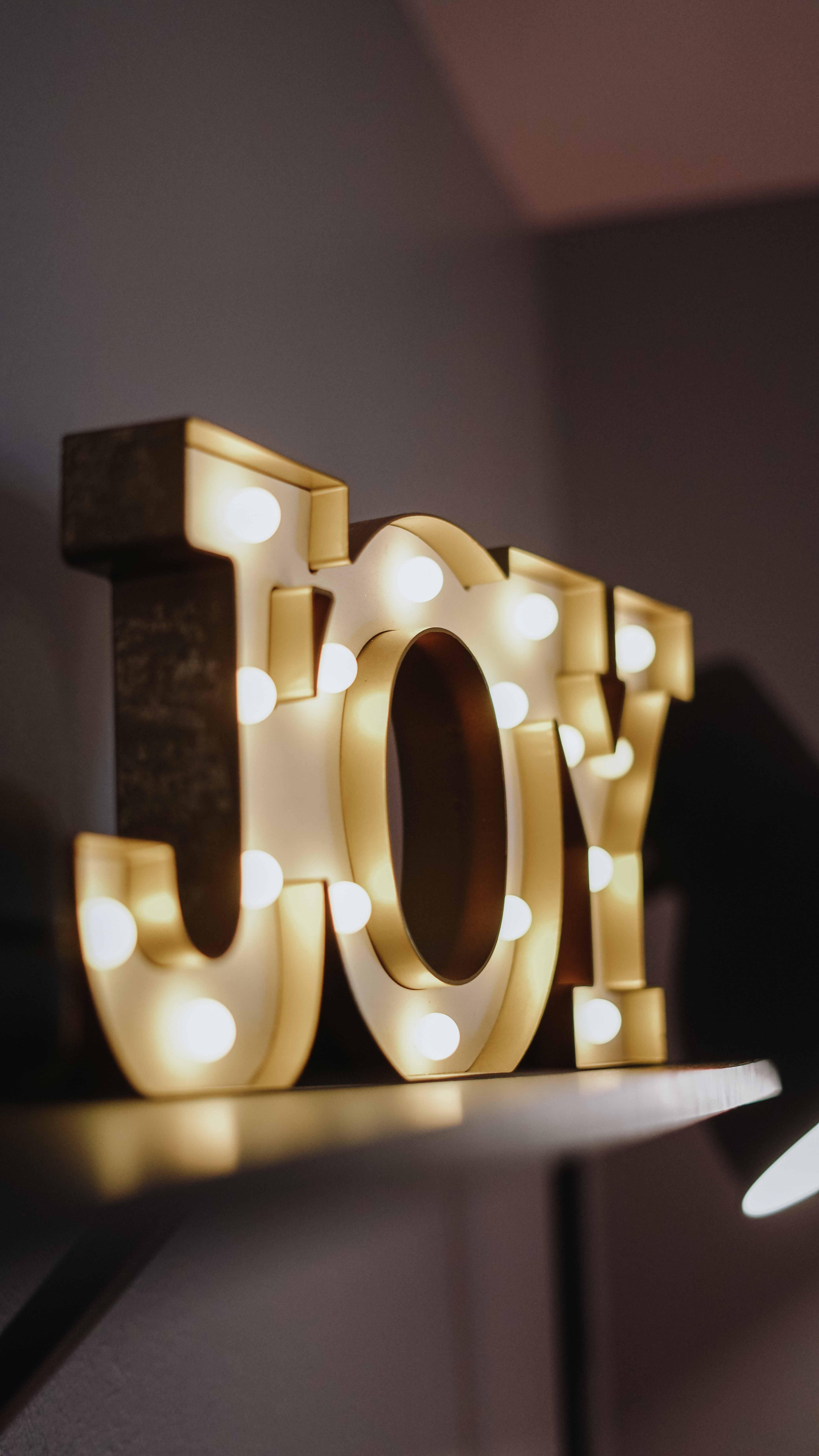 Бесплатное стоковое фото с в помещении, дизайн, лампочки, огни
