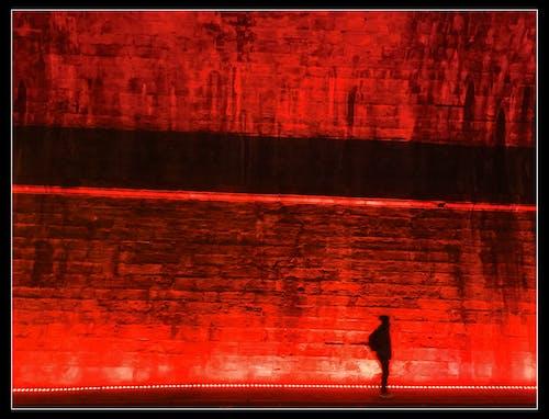 Fotobanka sbezplatnými fotkami na tému červená, chôdza v noci, čierna a červená, edinburgh art