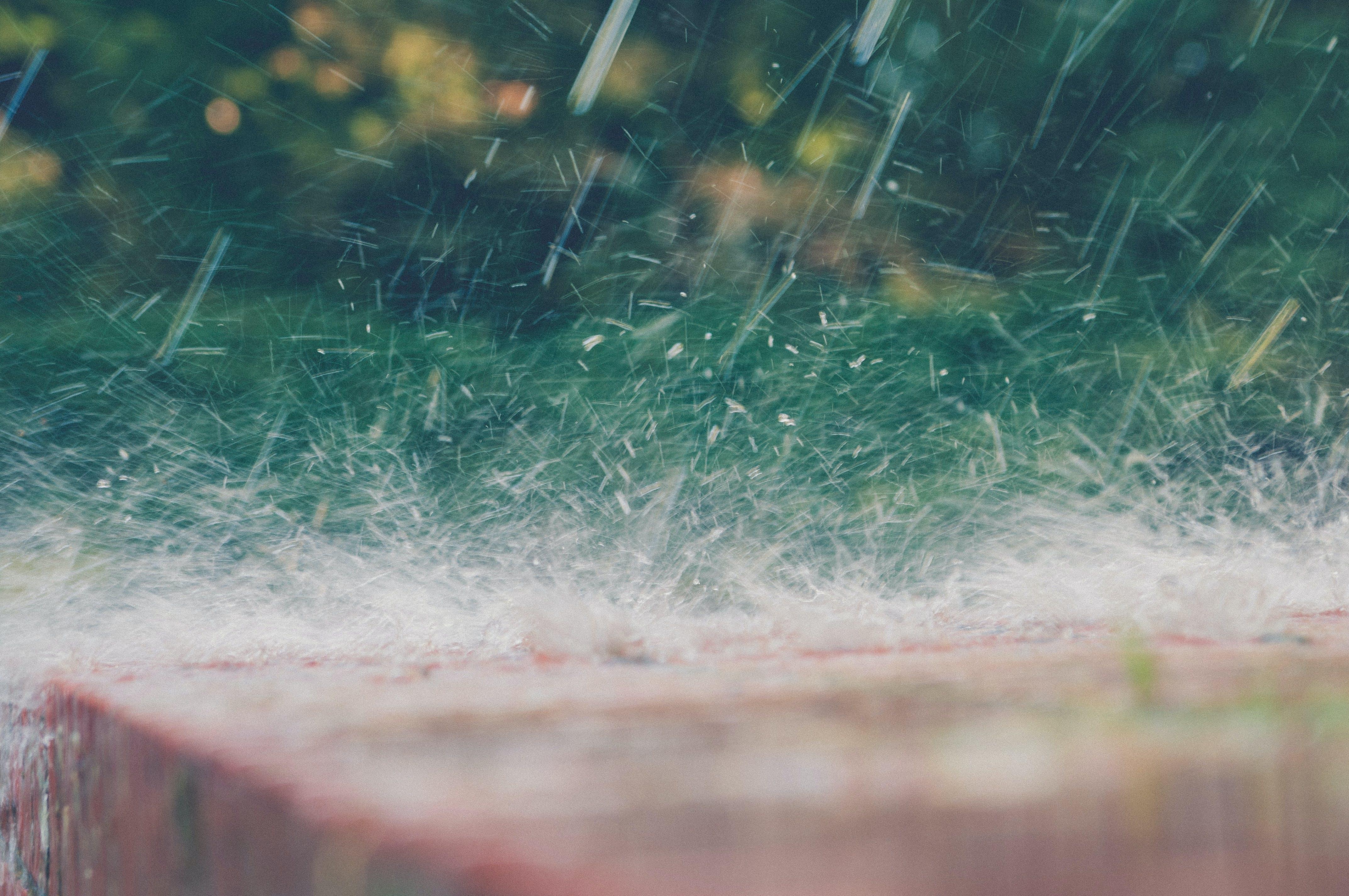 Kostenloses Stock Foto zu nahansicht, regen, spritzen, wasser