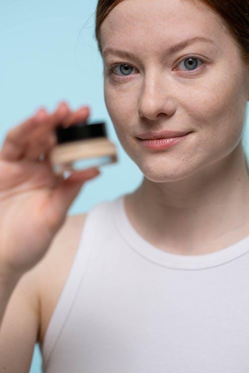 Gratis arkivbilde med ansiktspleie, concealer, hudpleie