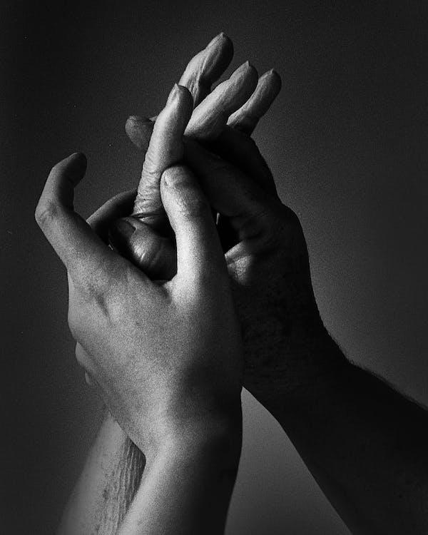 adam, Allah, avuç içi (el) içeren Ücretsiz stok fotoğraf
