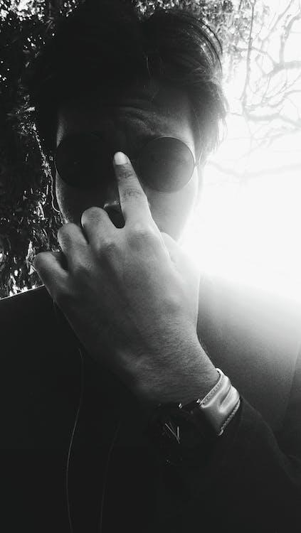 サングラス, セルフィー, 白黒の無料の写真素材