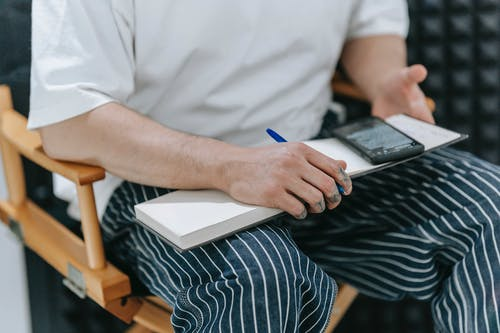 Gratis lagerfoto af forfatter, hænder, komponere