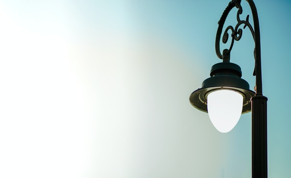 Close-up Photography of a Streetlight
