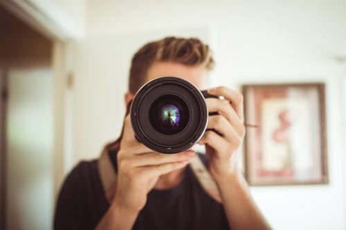 Foto stok gratis berfokus, dslr, fotografer, fotografi