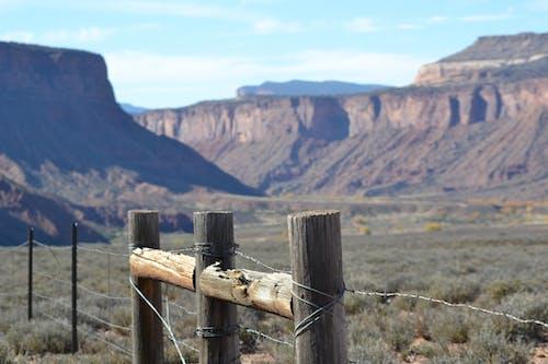 çit, çöl, colorado, dağlar içeren Ücretsiz stok fotoğraf