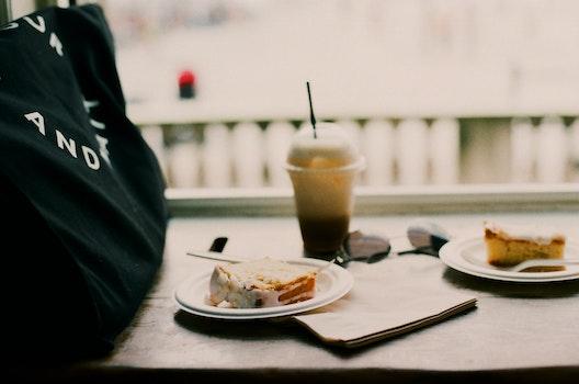 Kostenloses Stock Foto zu essen, teller, restaurant, sonnenbrille