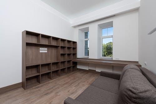 Foto profissional grátis de apartamento, arquitetura, branco