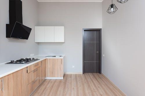 Foto profissional grátis de aconchego, apartamento, armário
