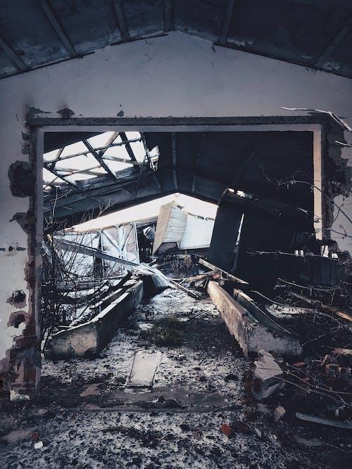 Foto profissional grátis de arruinado, cobertura, construção, construção abandonada