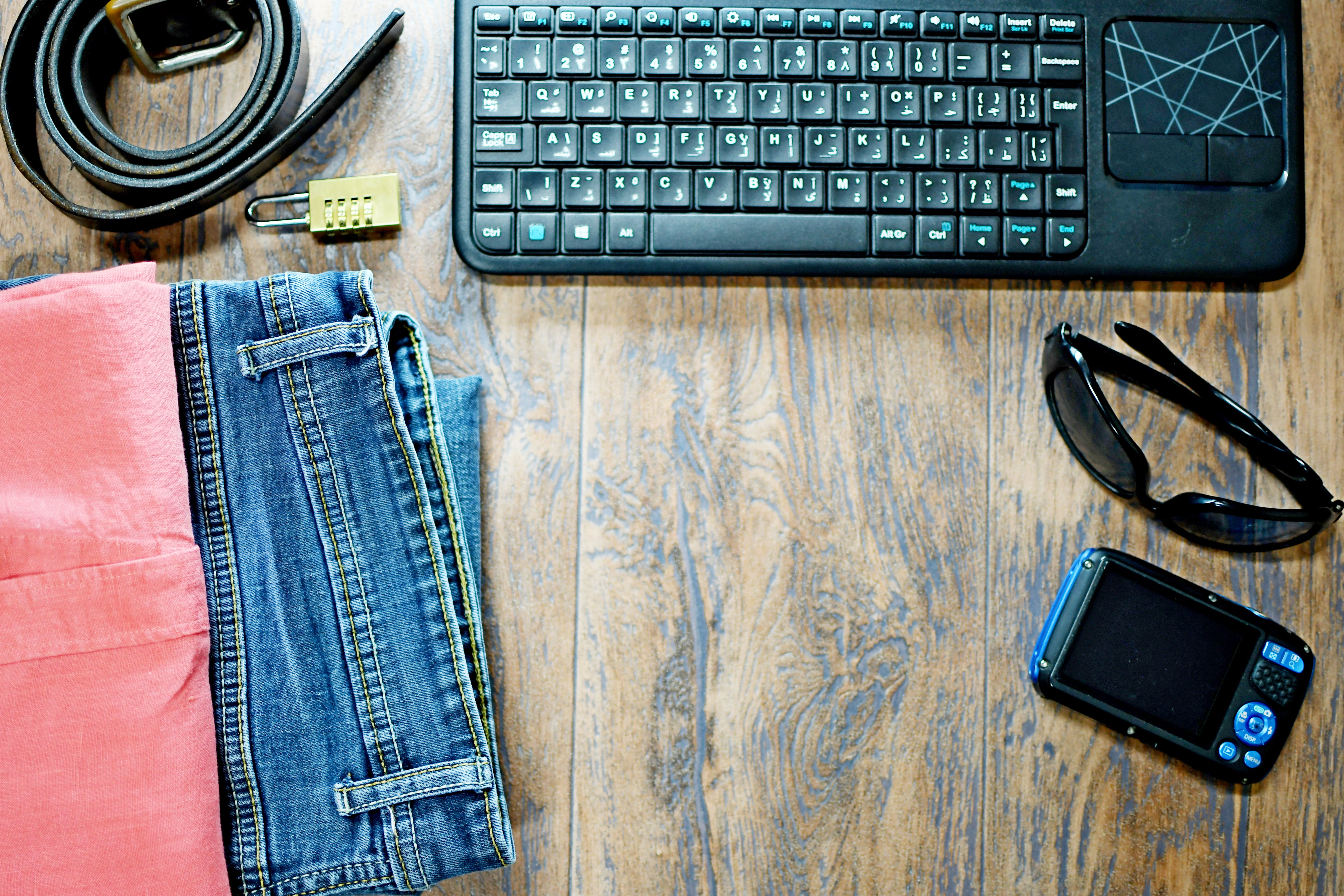 Gratis stockfoto met aangepast ontwerp, achtergrond, backdrop, blauwe spijkerbroek