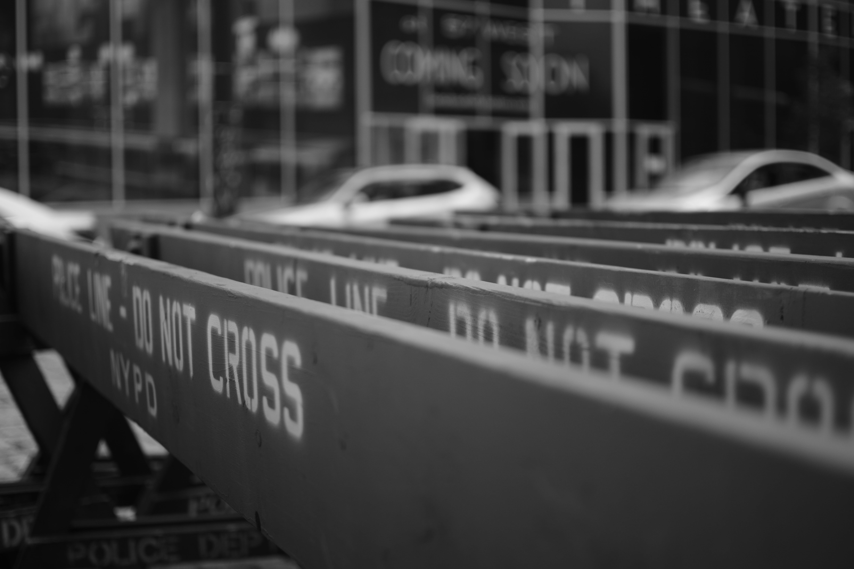 Základová fotografie zdarma na téma černobílá, dopravní bariéry, město new york, nepřecházej