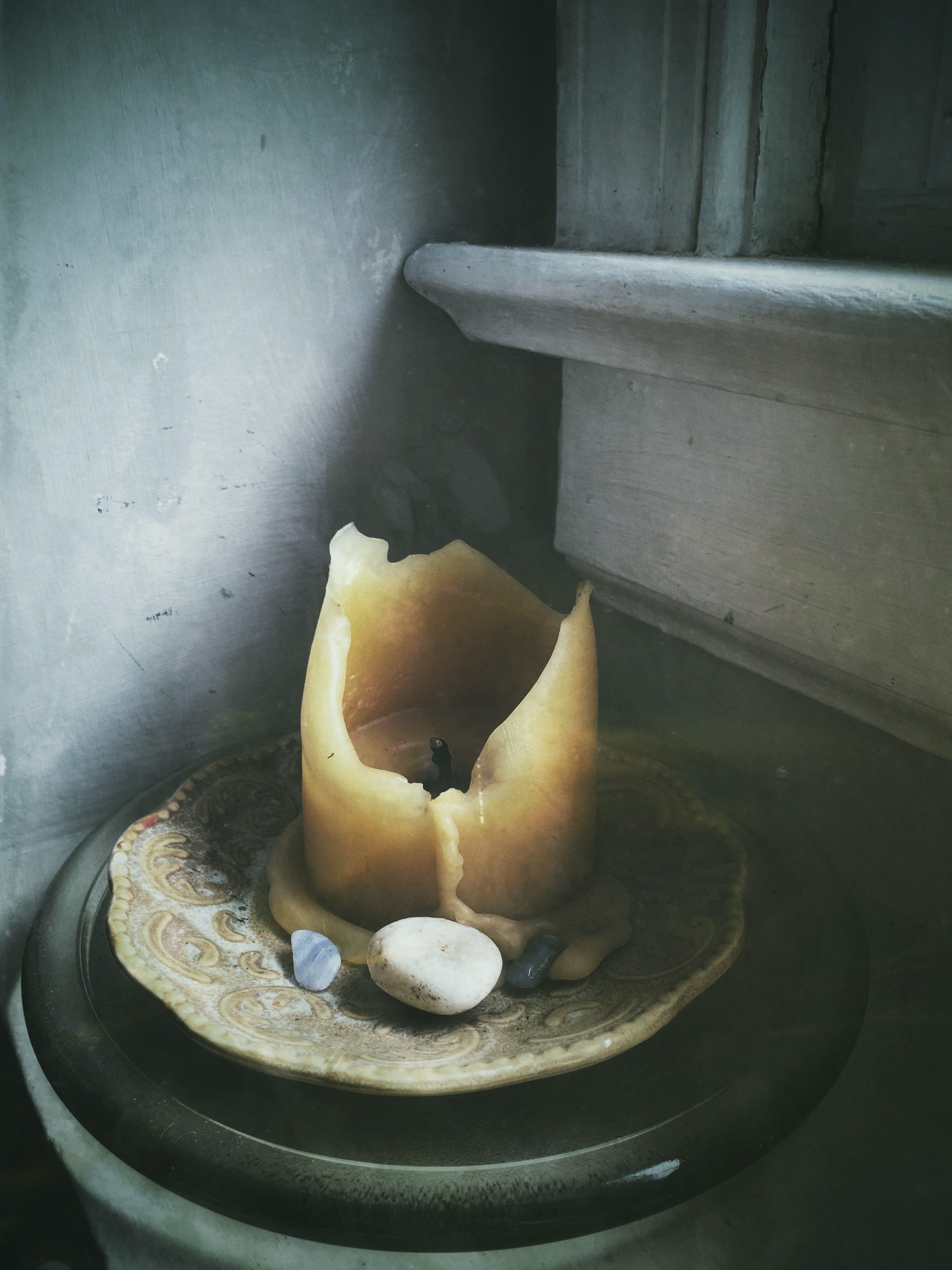 Foto d'estoc gratuïta de cera, espelma, interior, pedra