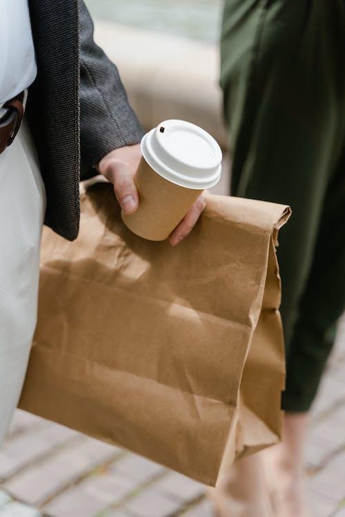 Fotos de stock gratuitas de al aire libre, bebida caliente, bolsa de papel