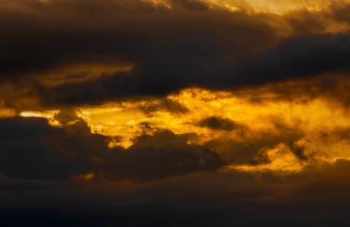 Free stock photo of cloudy sky, dark clouds, evening sky